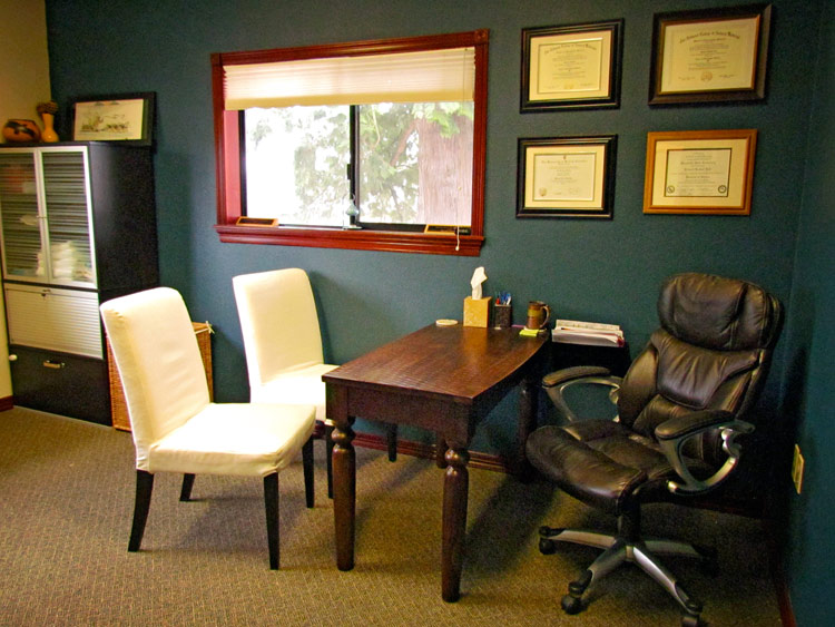 Flow-Natural-Health-Care-Office-05